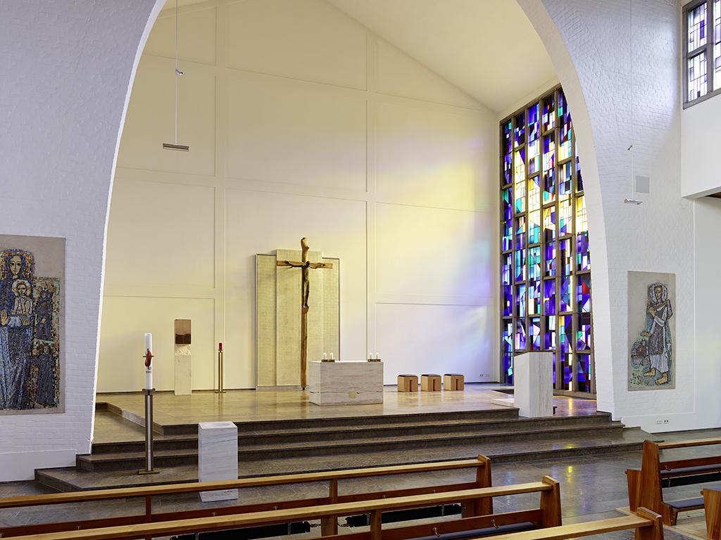 Kirche Amorbach, Chor mit Altar nach Sanierung
