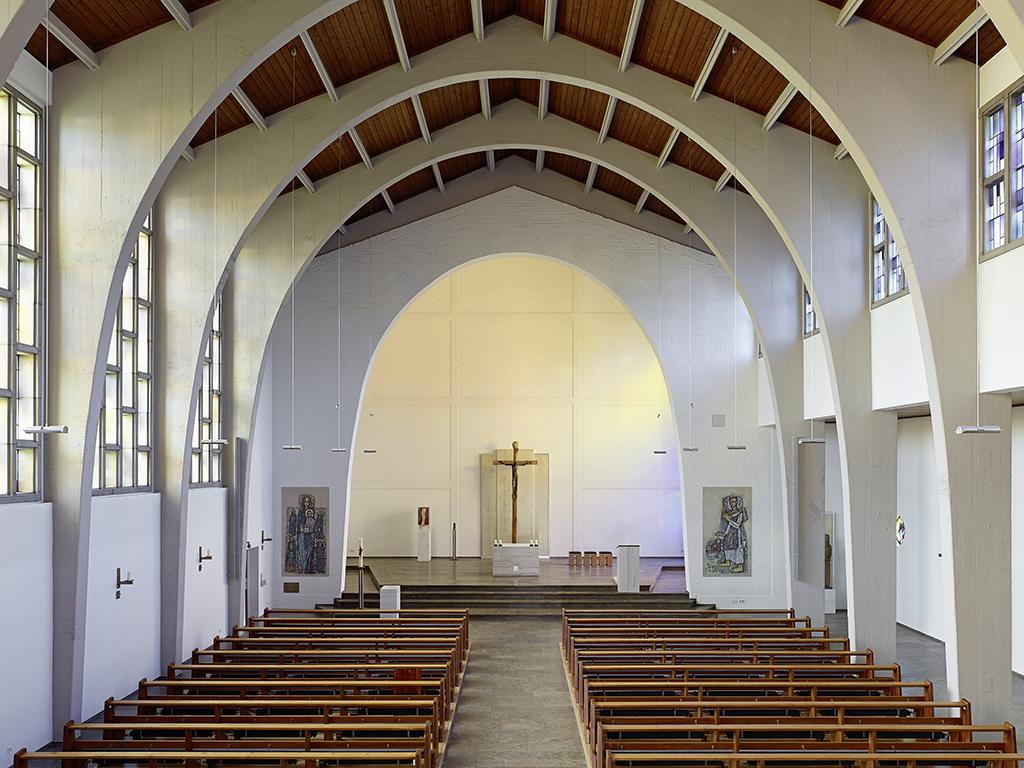 Kirche Amorbach, Kirchenschiff von Empore zum Chor nach Sanierung