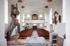 Kirche St.Kilian Übersicht Innenraum/Empore mit Pult