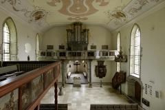 Kirche Waldbach Übersicht Innenraum von Balkon aus/Empore, parallel