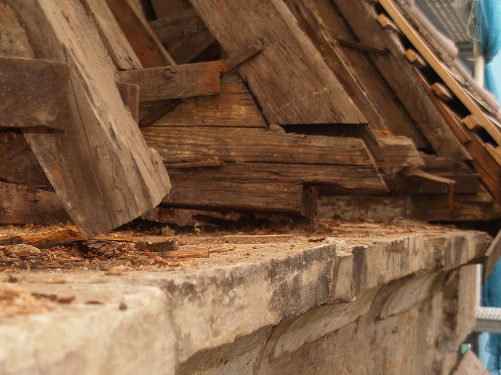 Kirche Brackenheim, Aufnahme der beschädigten Holzbalken